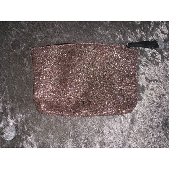 ipsy Handbags - Sparkle makeup bag